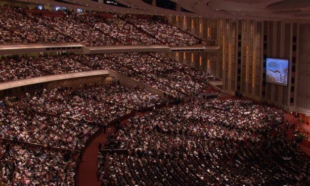 Pourquoi les mormons organisent-ils des assemblées solennelles?