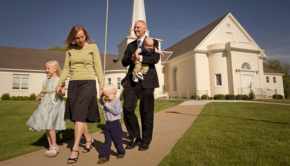 Les Mormons se rendent-ils à l'Eglise le dimanche?
