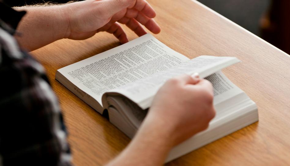 Les Mormons Reconnaissent-ils la Bible comme un ouvrage d'Ecritures Saintes?