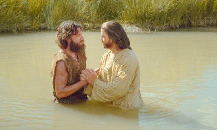 Pourquoi les Mormons Croient-ils au Baptême par Immersion?