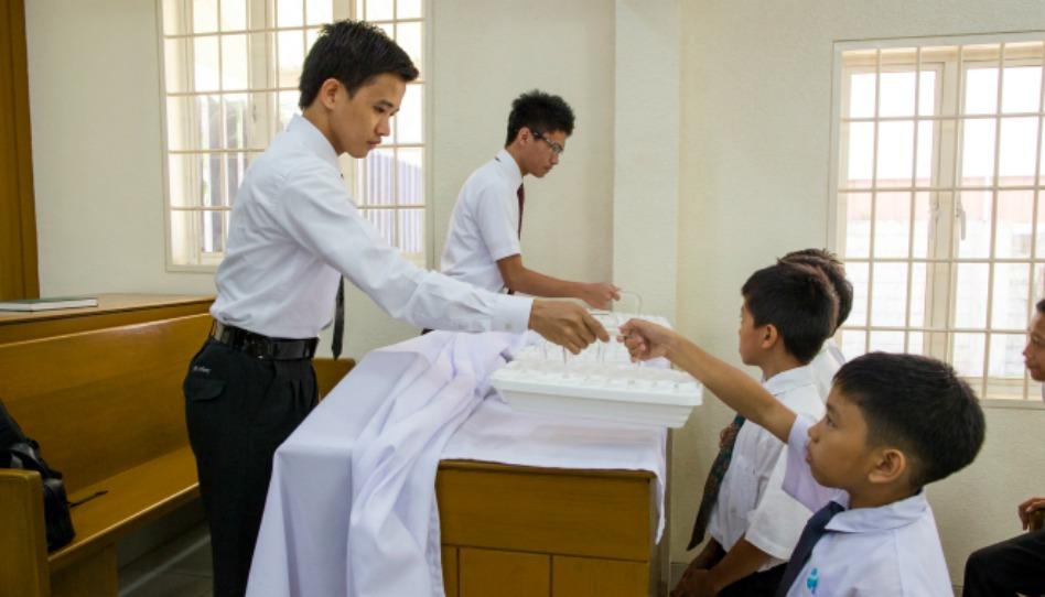 Existe t-il une communion au sein de l'Eglise mormone?