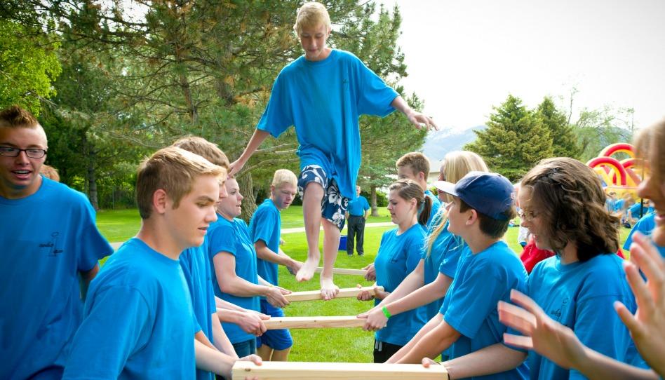 Quelles activités les Mormons proposent-ils à la Jeunesse?