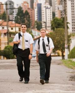 L'église mormone abaisse l'âge des missionnaires