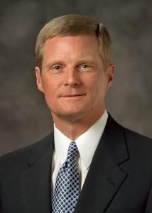 Elder Bednar encourage les mormons à utiliser correctement les réseaux sociaux