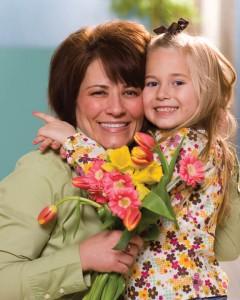 mère et fille: être reconnaissant au quotidien
