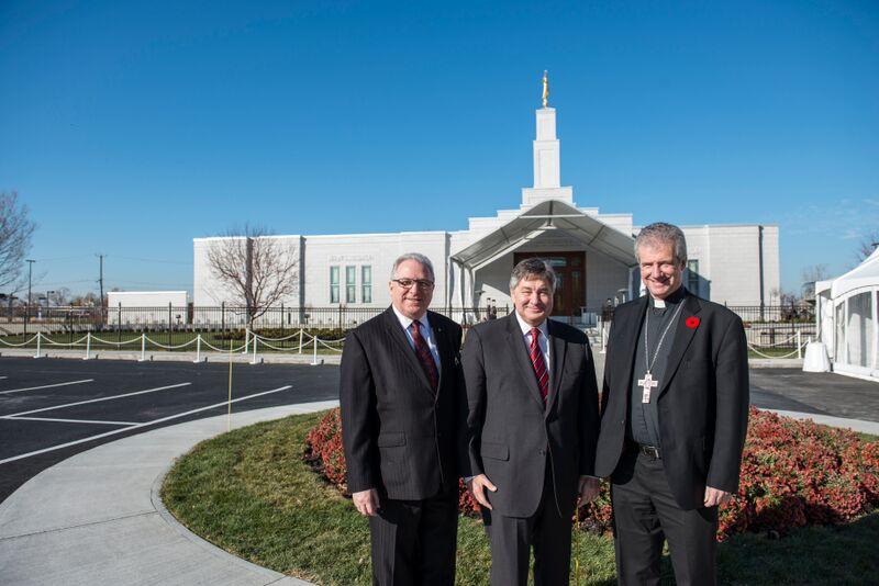 QUEBEC: Les catholiques rencontrent les mormons lors des portes ouvertes du Temple Quebécois