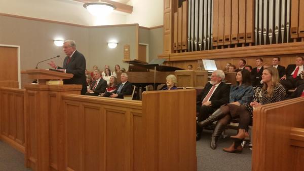 Elder Ballard parle aux jeunes adultes à propos des attentes du futur