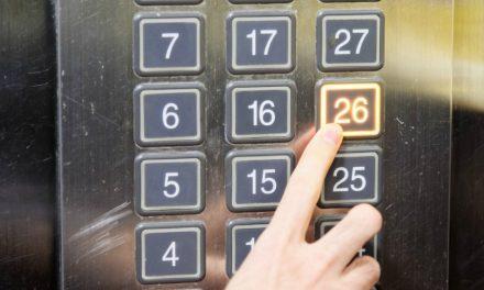 Appuyer sur le bouton de l'ascenseur: c'est important pour Dieu!