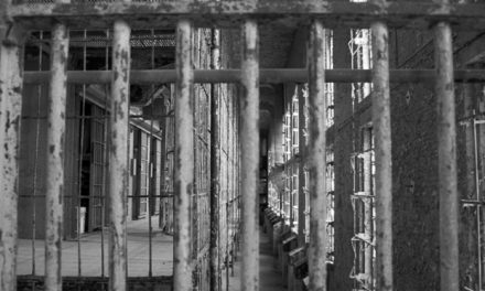 Se libérer de notre prison: réflexion sur Pâques d'Elder Renlund