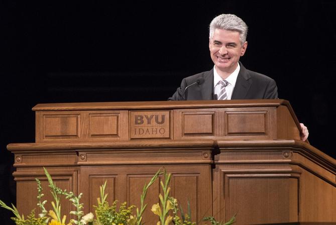 """""""En son temps"""" : l'Evêque Gérald Caussé s'adresse aux étudiants de BYU Idaho"""