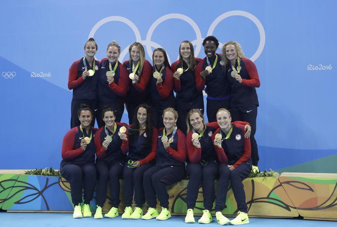 L'équipe de water polo féminin américaine a gagné une médaille en or lors des jeux olympiques de Rio 2016