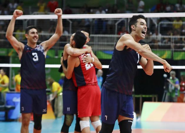 L'équipe de volleyball masculin gagne la médaille de bronze des jeux olympiques de Rio et parmi eux figure un mormon