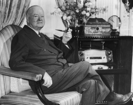 Le président Herbert Hoover, ancien président des Etats Unis a parlé des Mormons en en faisant leur éloge.