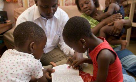 """Pourquoi je reste : une mormone afro-américaine parle de ses difficultés et de sa foi avec """"The Atlantic"""""""