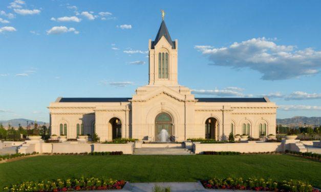 Deux apôtres expriment leur gratitude pour le temple.