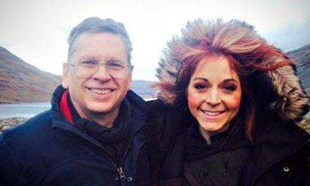 Décès du père de Lindsey Stirling: un dernier témoignage puissant