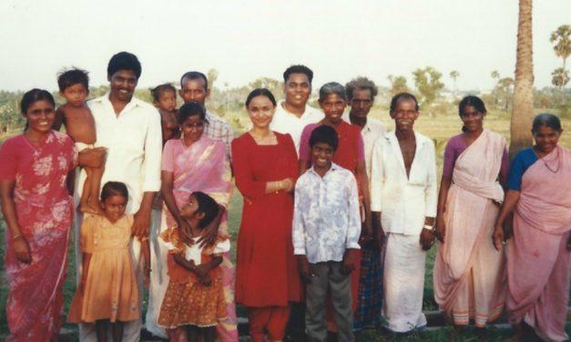 Kidnappé en Inde et guidé par l'Esprit 20 ans plus tard pour retrouver sa famille biologique