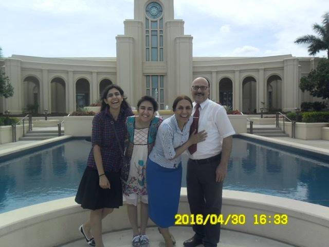 une famille muslmane iranienne s'est convertie au mormonisme et aime aller au temple