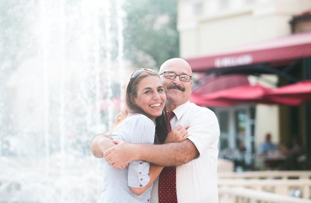 couple de la famille musulmane iranienne convertie au christianisme