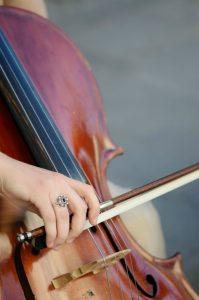développer vos talents, ici le violoncelle