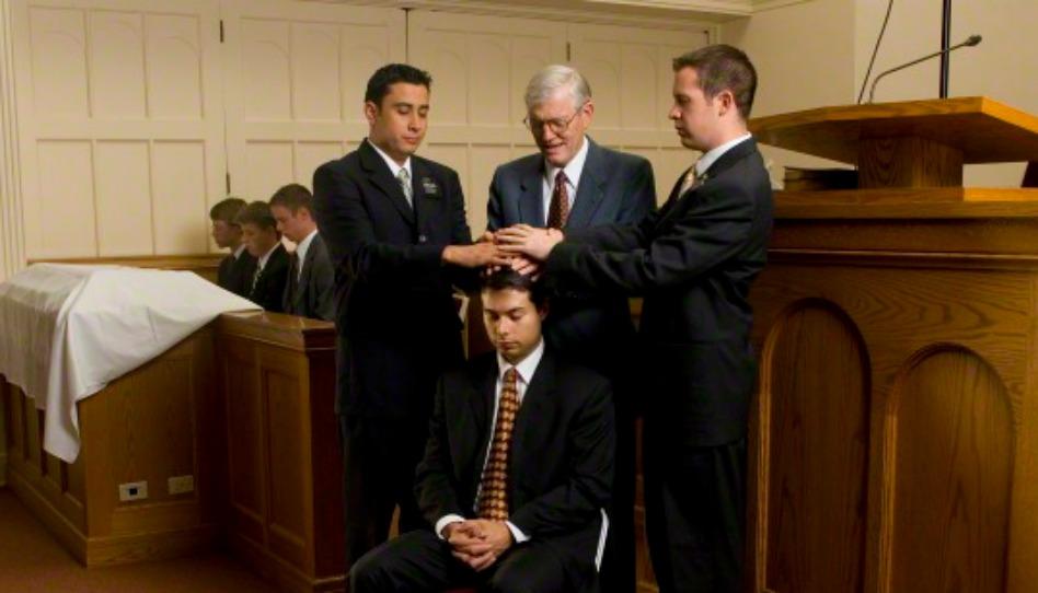 le Don du Saint Esprit est une ordonnance pratiquée après le baptême chez les mromons