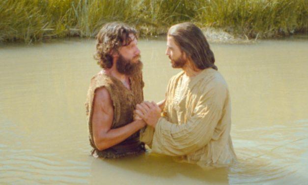 5 choses qui se passent lors d'un baptême chez les mormons
