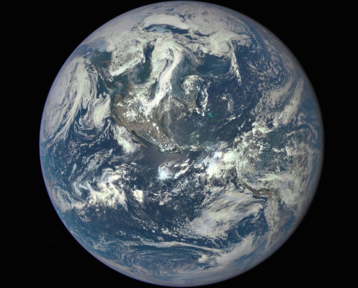 la bille bleue qu'est la Terre vue de l'espace