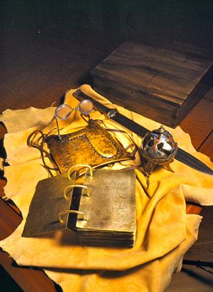 les artéfacts présentés aux trois témoins