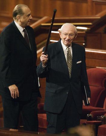 Gordon B. Hinckley, président de l'Eglise de Jésus-Christ des Saints des Derniers Jours.