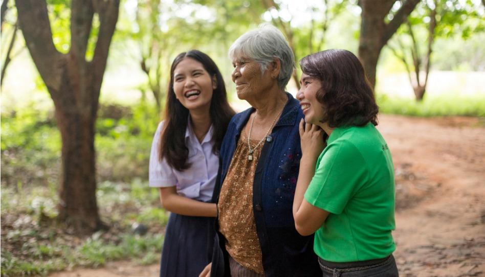 5 apôtres adressent un message aux femmes pour la fête des mères