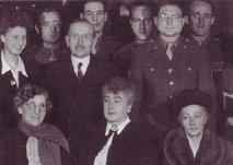 Eveline Kleinert et les soeurs de la branche de Paris à la fin de la guerre.