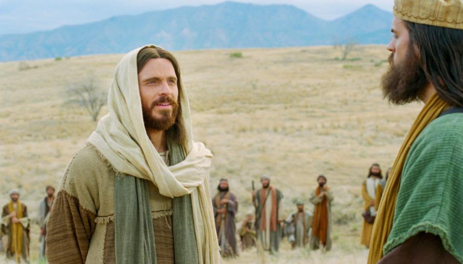 Jésus a aussi béni et enseigné les gens un par un.