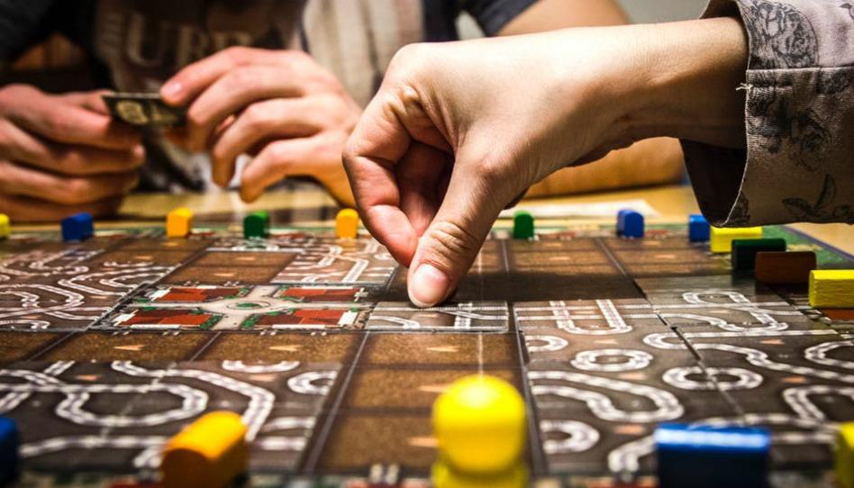 jouez-vous aux jeux de société lors de vos soirées familiales?