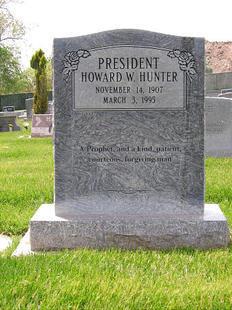 tombe Howard W Hunter