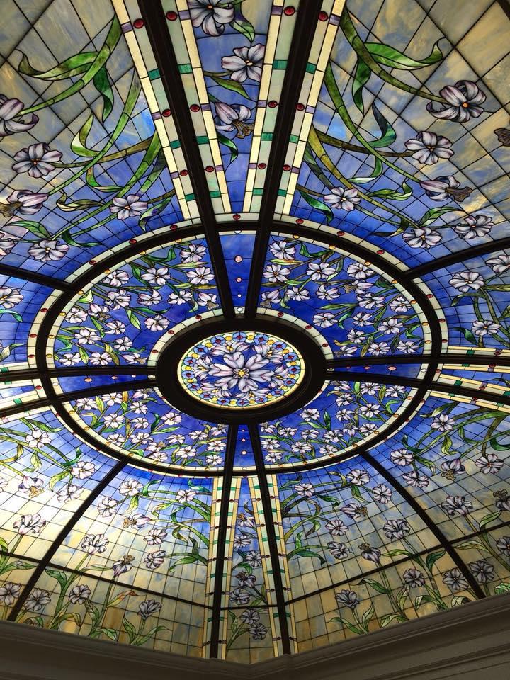 la coupole en vitrail du temple de Paris
