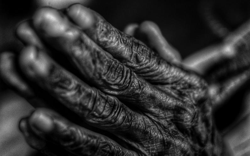 Prier est notre phare personnel qui nous guide vers Dieu