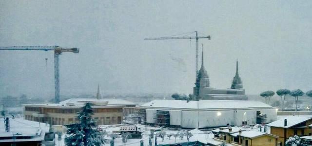 temple Rome sous la neige