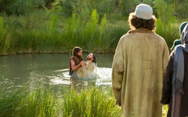 les mormons croient au baptême par immersio