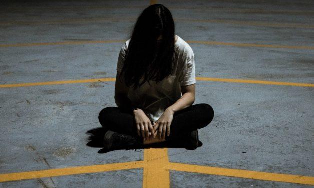 Comment puis-je surmonter mon manque de confiance en moi?