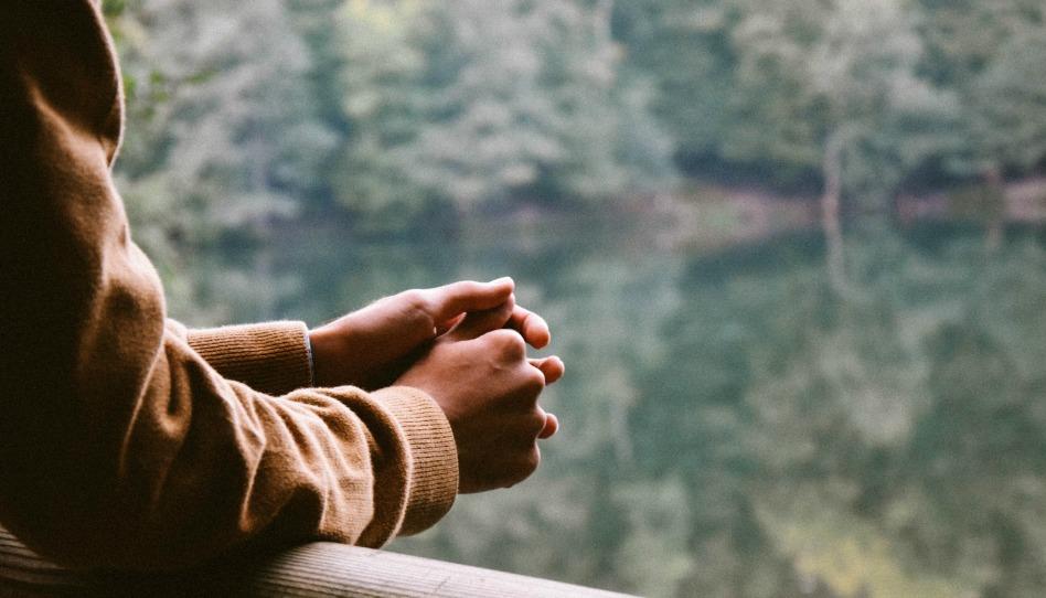 Prier avec maturité et écouter ce que Dieu veut nous dire