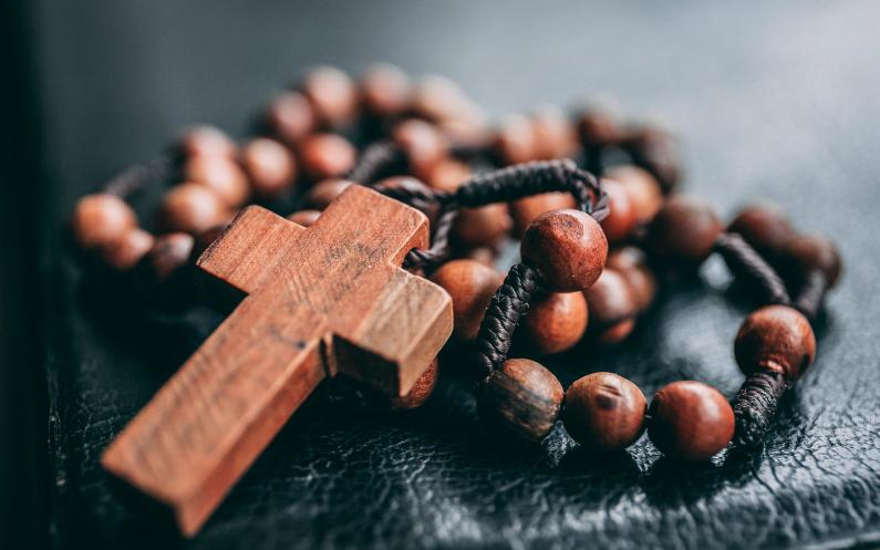 En quête de la spiritualité je visitai plusieurs confessions