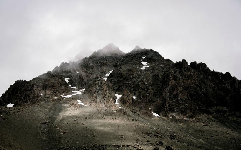 randonnée dans la montagne le chemin perdu