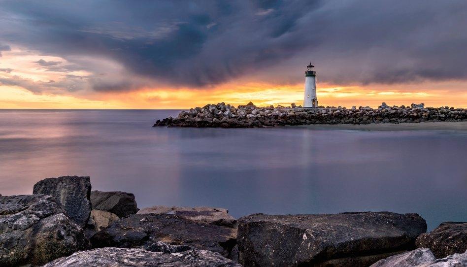 La Prière est comme un phare qui nous éclaire!