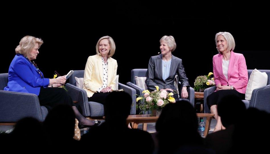Les présidentes générales répondent en direct aux questions des sœurs