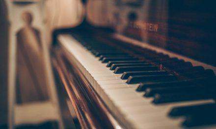 Notre Maître a composé la mélodie parfaite et il nous aide à faire de même