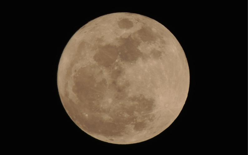 pleine lune entière et la perfection